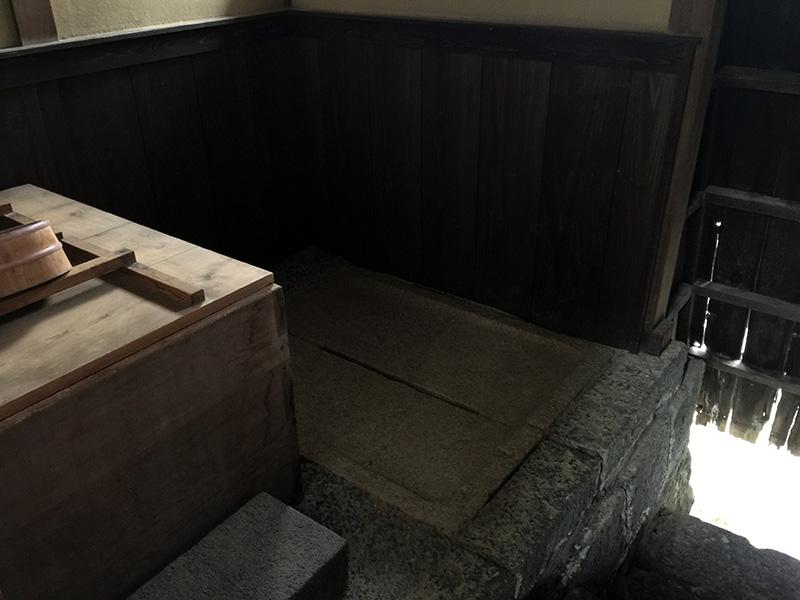 風呂場のハトバ