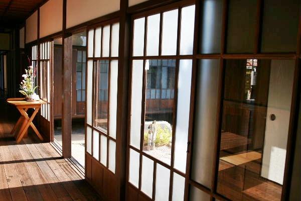 伊藤博文別邸100年前の窓ガラス