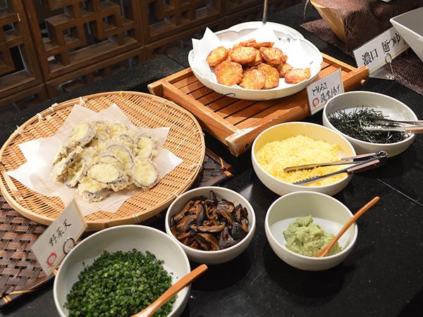 健康バイキング−麺フェアトッピング