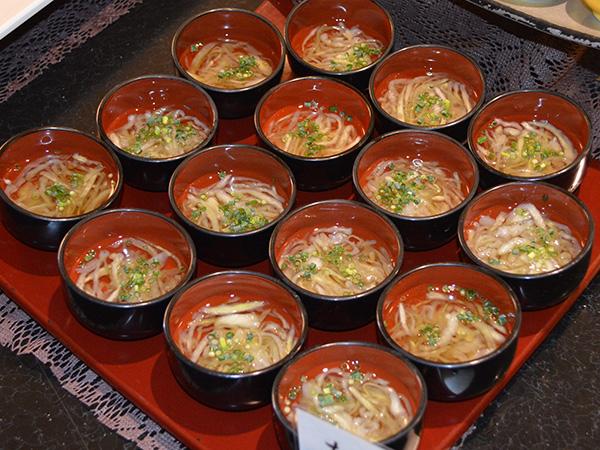 萩たまげなす素麺