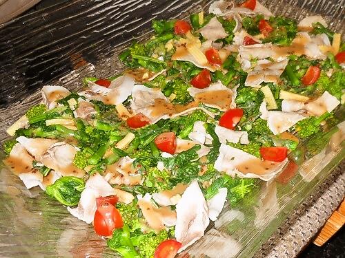 菜の花とむつみ豚のサラダ仕立て
