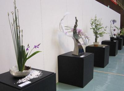 器と花のコラボレーション1.JPG