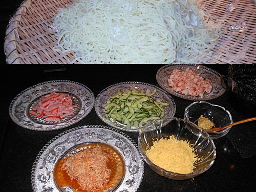 冷麺とトッピング.jpg