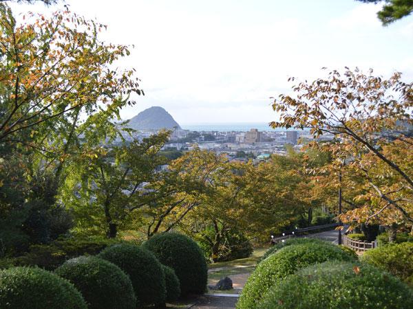 吉田松陰先生銅像からの景色