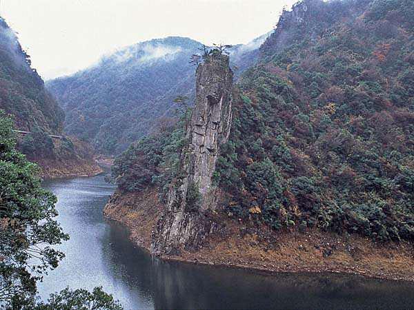 長門峡【重塀岩】